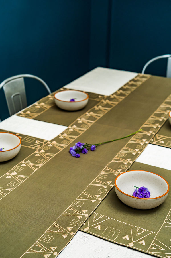 Place Arcilla Clásica Dining Set of a Table Runner & 6 Table Mats