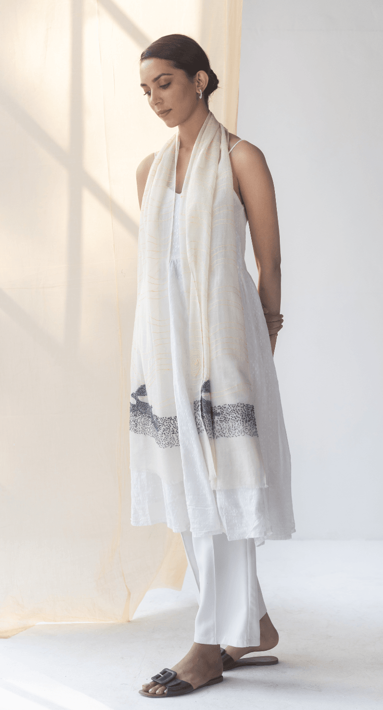 Doux Fine Wool Kantha Embroidery Stole - Veaves