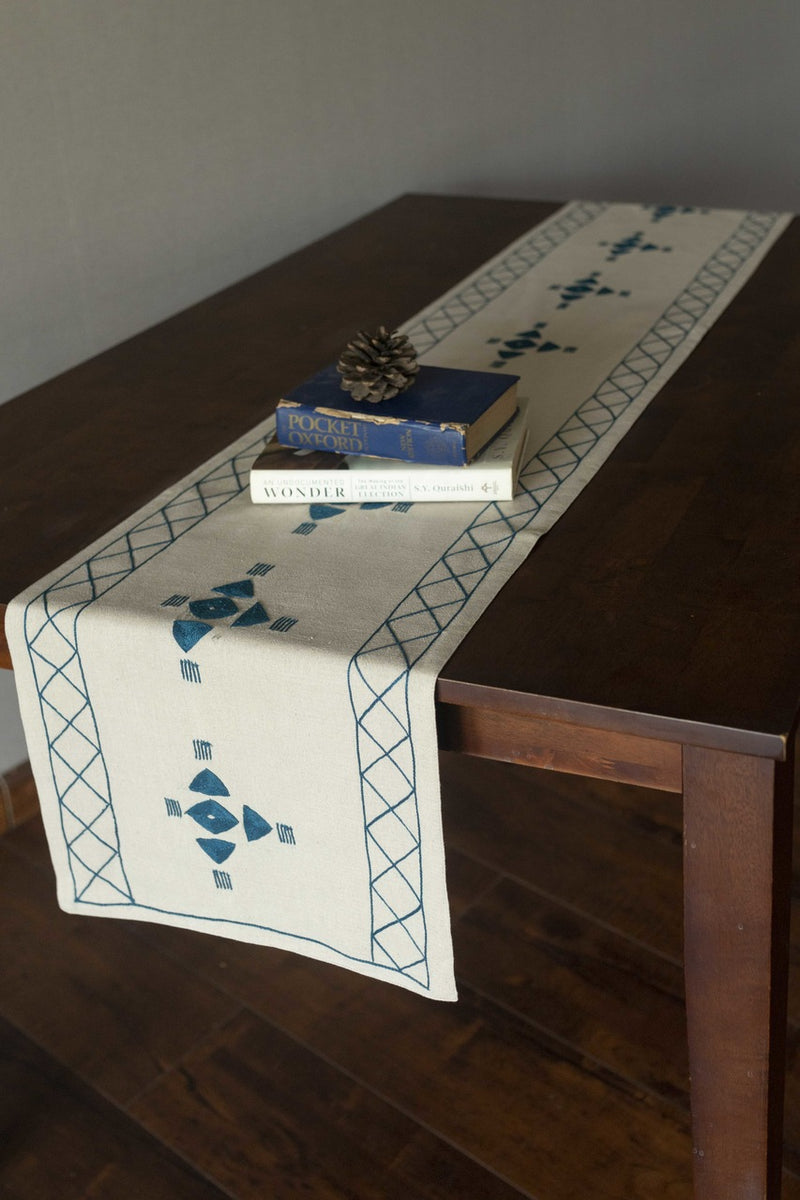Swish  - Table Runner
