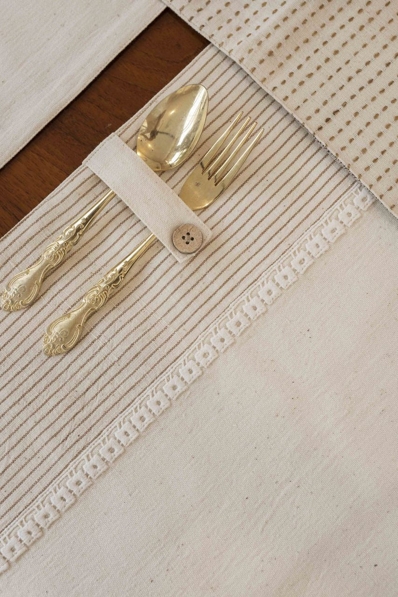 Koa - Dining Set Of A Table Runner And 8 Table Mats