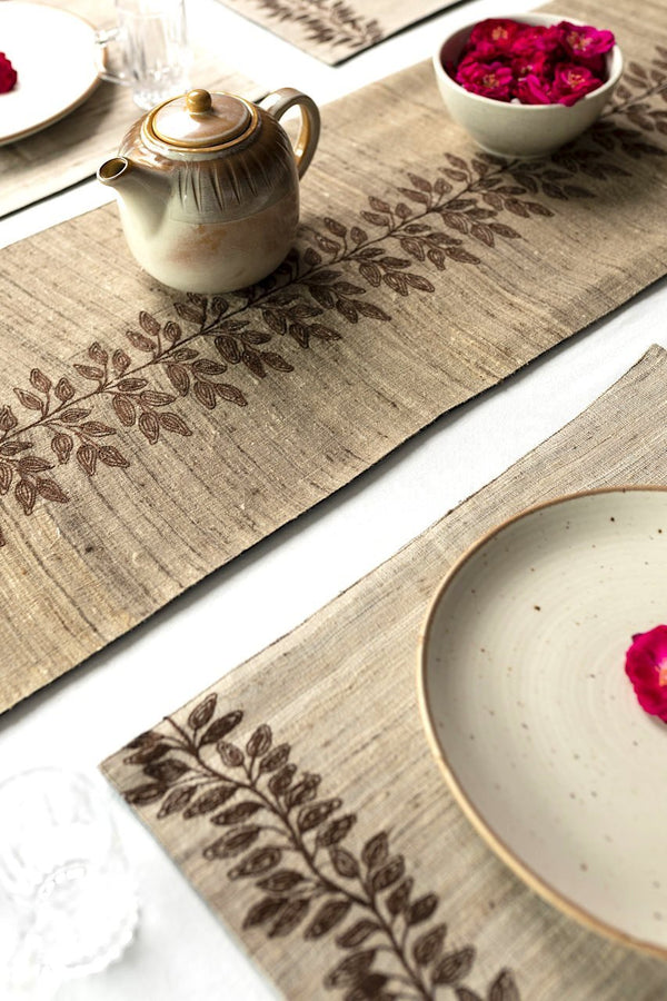 RECHERCHÉ -  Dining Set Of Table Runner And 6 Table Mats - Veaves