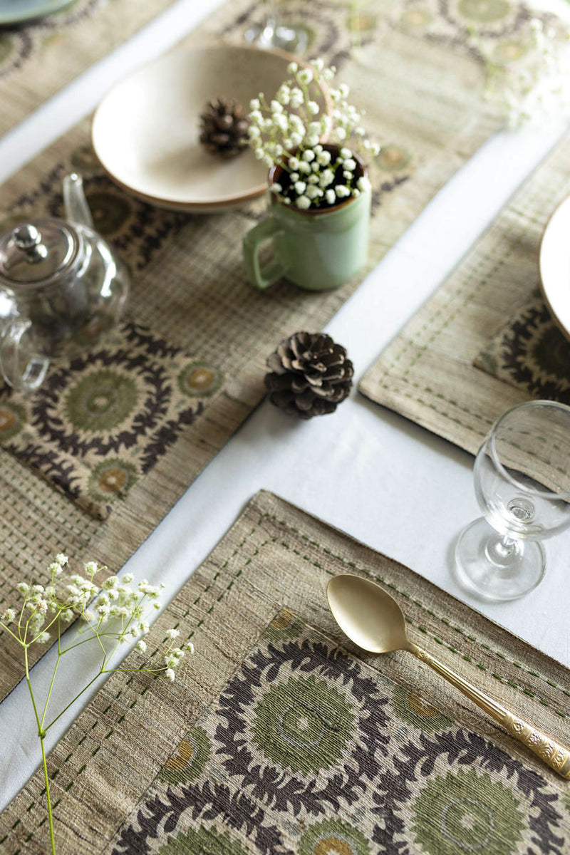 TULUA - Dining Set Of A Table Runner And 6 Table Mats - Veaves