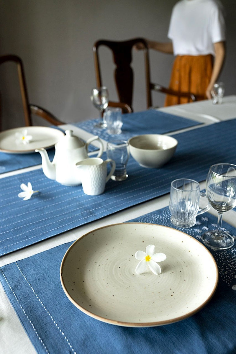 SIRIMIRI -  Dining Set Of Table Runner And 8 Table Mat - Veaves