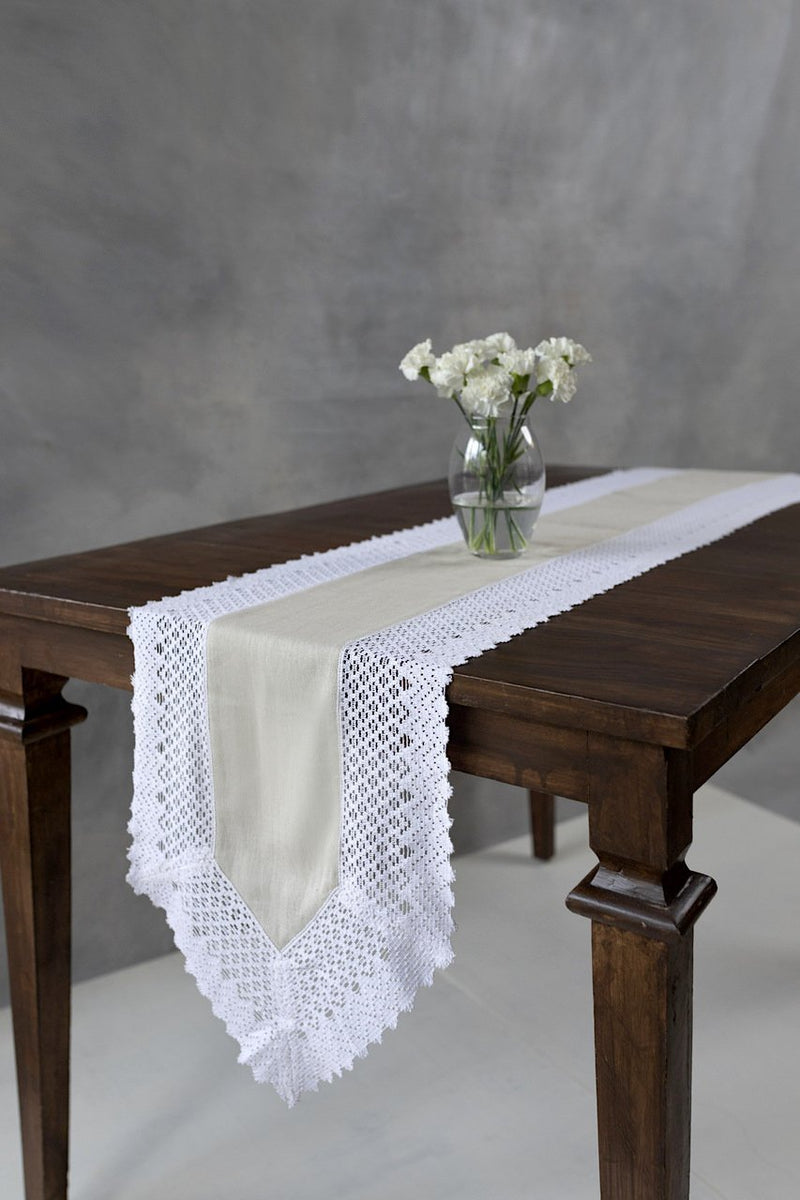Arrowhead - Table Runner - Veaves