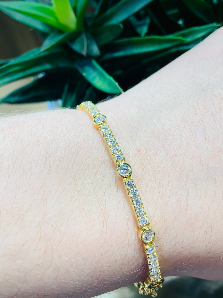 Copley Yellow Gold Diamond Bracelet - THE VILLAGE JEWELER