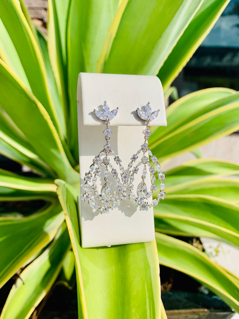Queen of Paradise Earrings - TVJGNV