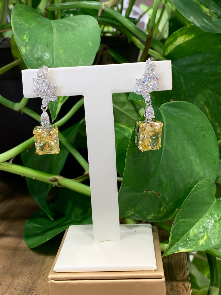Lady Wirtheva Earrings - THE VILLAGE JEWELER