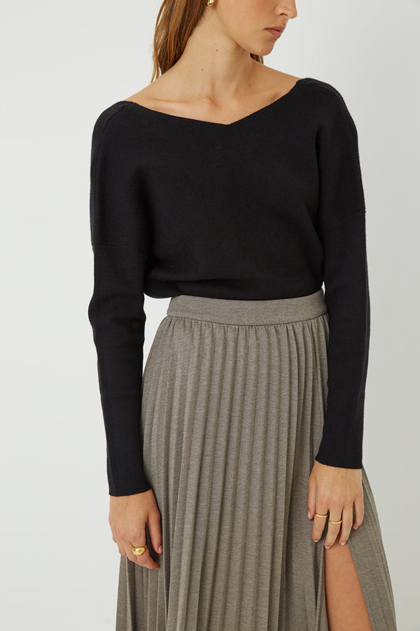 Sacha V neck Knit Top