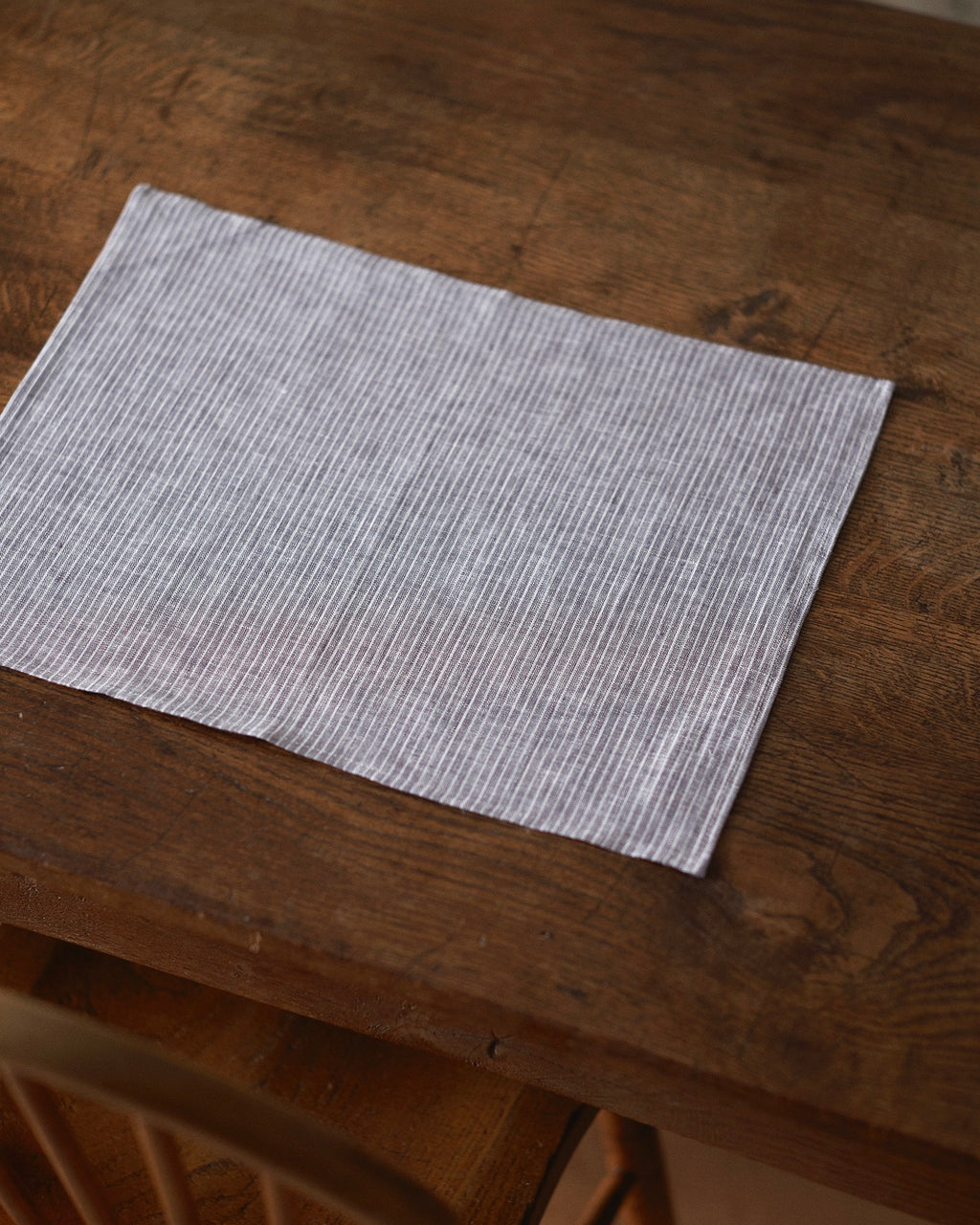 Placemat: Grey Thin White Stripe