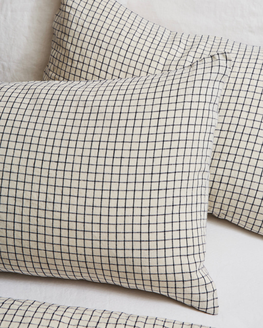 Linen Pillowcases: Jenn