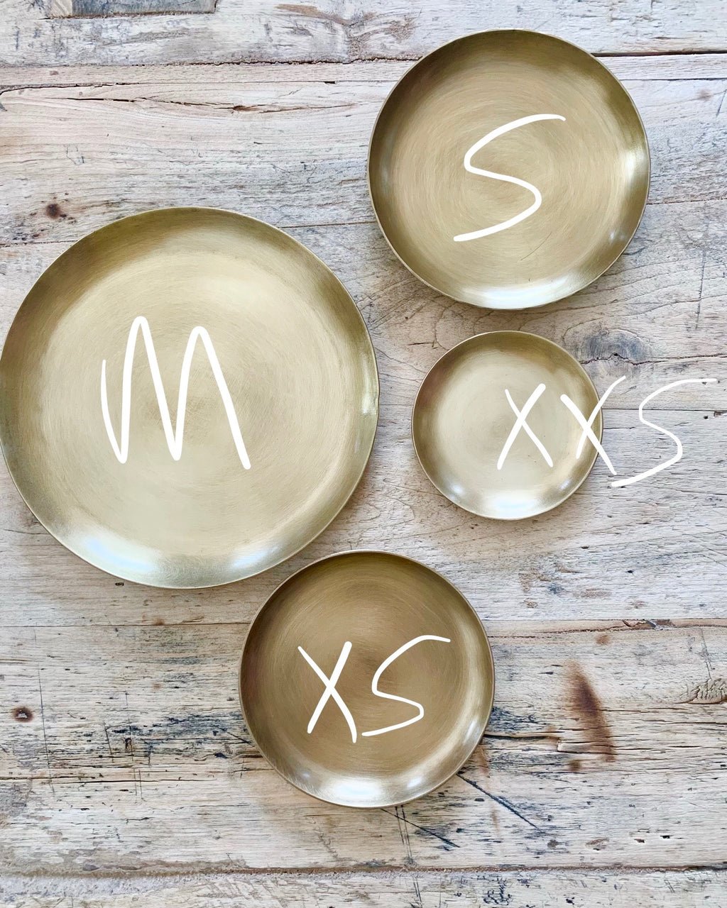 Brass Plate Round: Medium