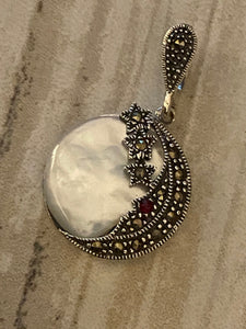 Moon and the Stars Marcasite Pendant mini Garnet Dot/Mother of Pearl Silver