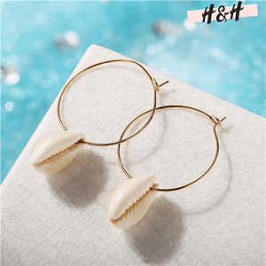 Harry and Hope DESIGN - Boucles d'oreilles créoles à coquillage blanc