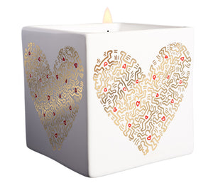 "KEITH HARING ""GOLD PATTERN HEART CANDLE"" 9 0Z"