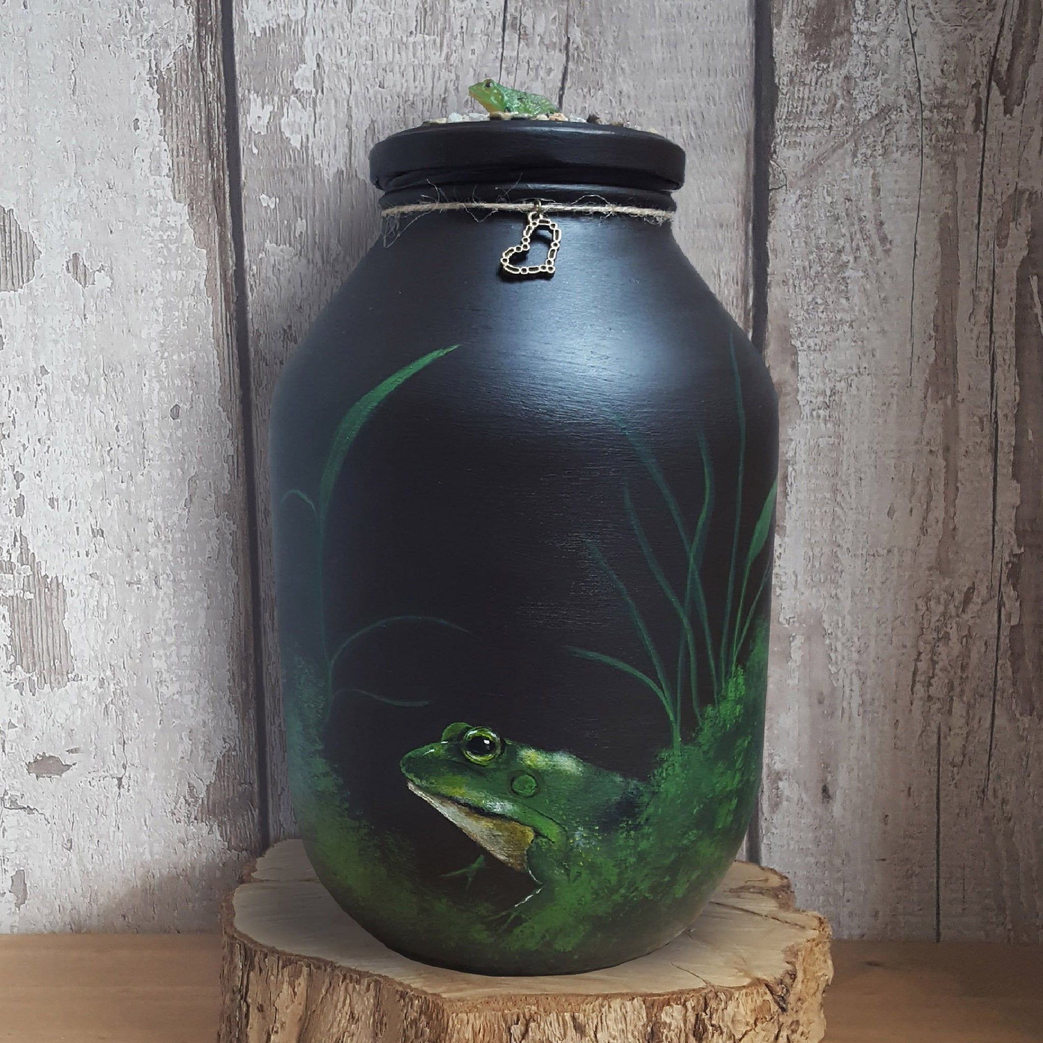 Custom hand painted Frog memorial urn - melOn Design