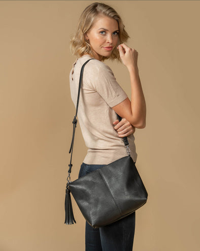Daisy Black Crossbody Bag