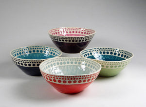 Expanding Dot Serving Bowl