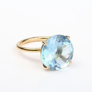 brilliant ring/blue topaz