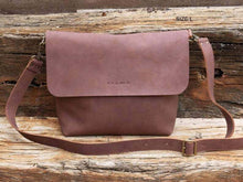 Load image into Gallery viewer, Leather Crossbody Bag - UN SAV
