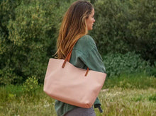 Load image into Gallery viewer, Pink Leather Tote bag. Handmade and ready to ship!. Ter