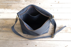 Leather Crossbody bag,  Un Auto