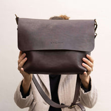 Load image into Gallery viewer, Leather Crossbody bag,  Un Auto