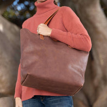 Load image into Gallery viewer, Leather Tote Bag  - BEL SAV