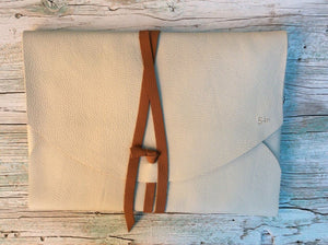 Leather laptop case, handmade with the highest quality full-grain spanish leather, leather bag.