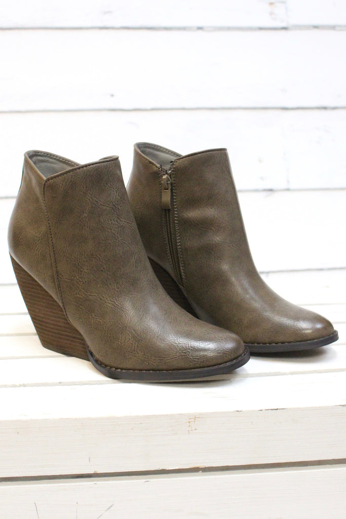 Very Volatile: Gwen Wedge Bootie {Taupe} - The Fair Lady Boutique - 4