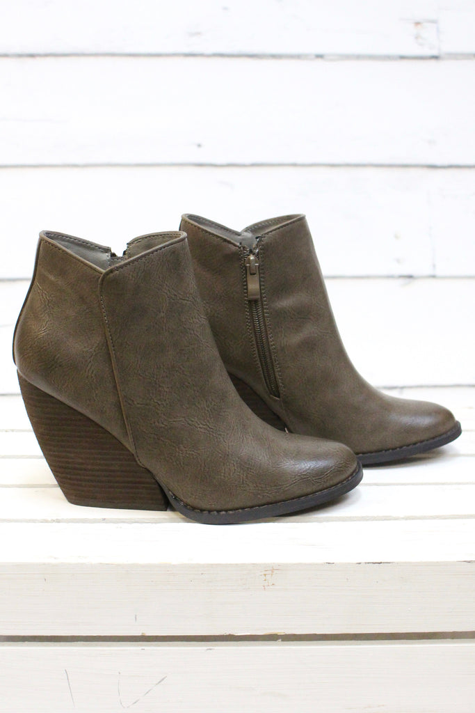 Very Volatile: Gwen Wedge Bootie {Taupe} - The Fair Lady Boutique - 2