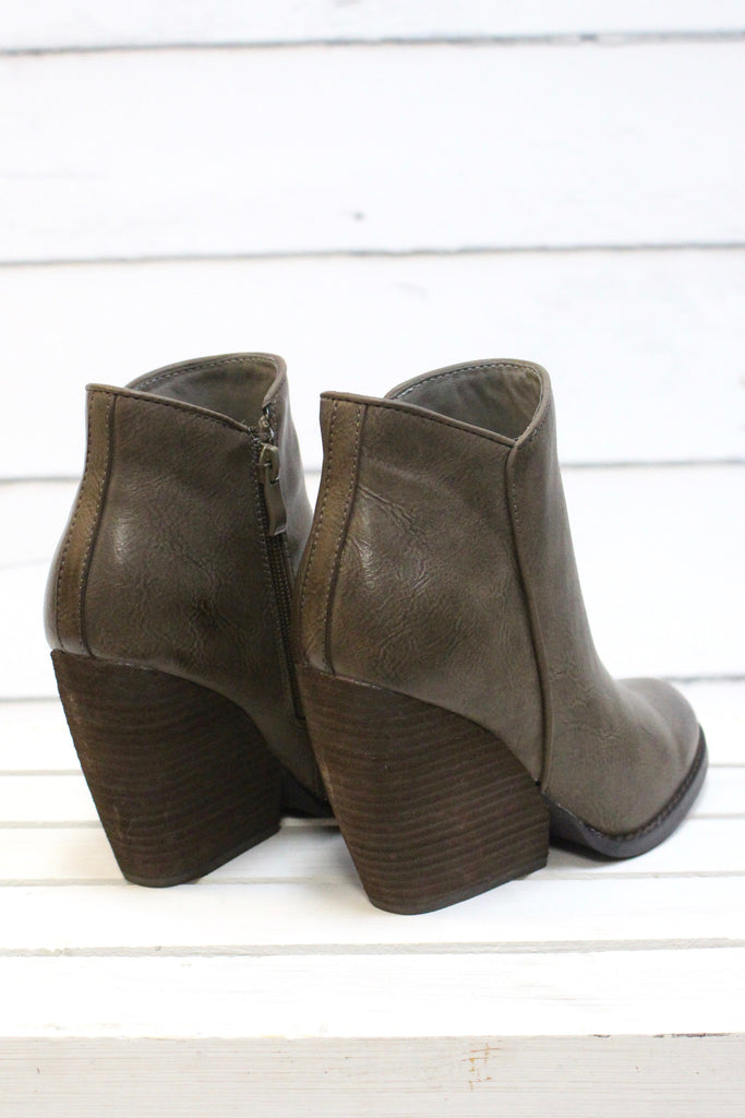 Very Volatile: Gwen Wedge Bootie {Taupe} - The Fair Lady Boutique - 5
