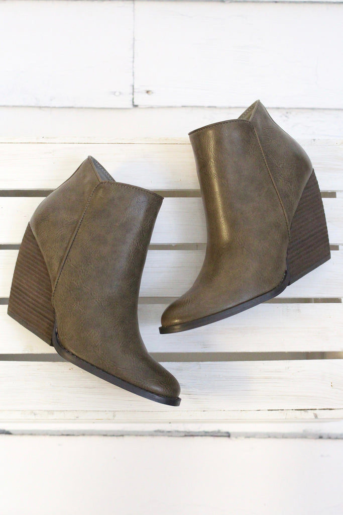 Very Volatile: Gwen Wedge Bootie {Taupe} - The Fair Lady Boutique - 3