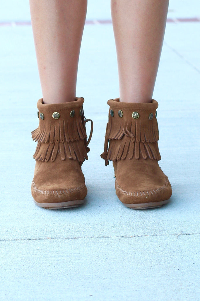 Minnetonka: Double Fringe Side Zip Bootie {Dusty Brown} - The Fair Lady Boutique - 3