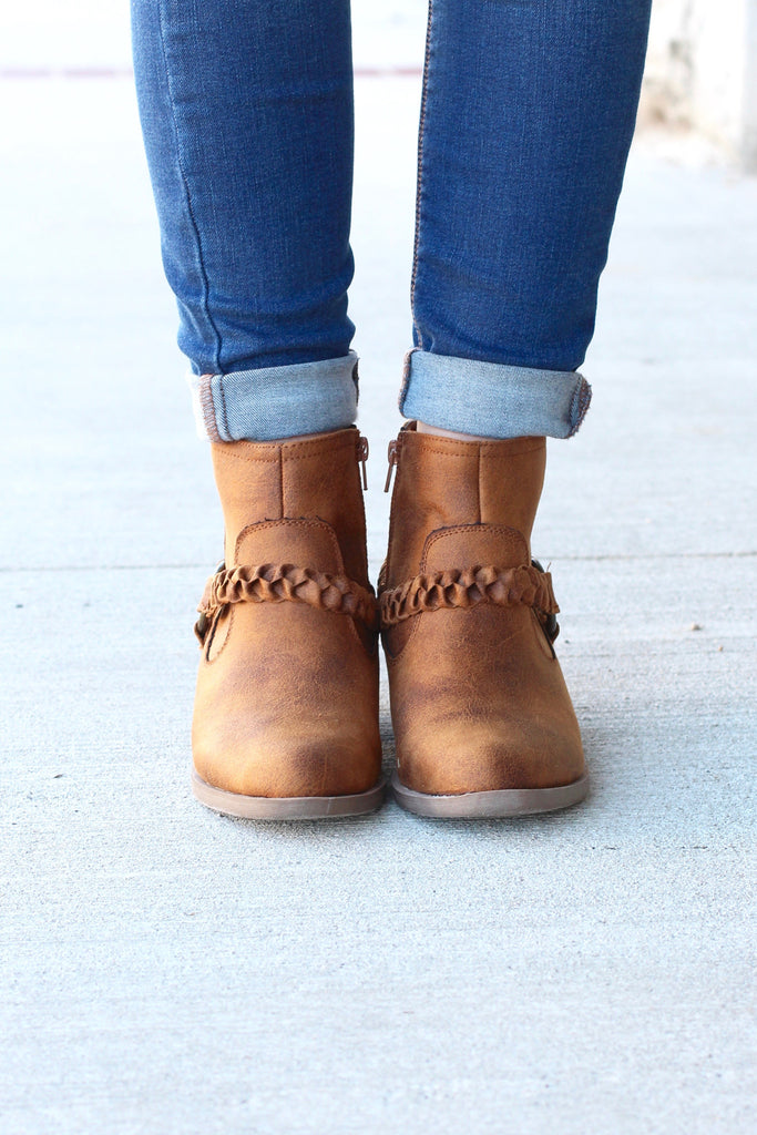 Glorious Braided Strap + Ring Bootie {Tan} - The Fair Lady Boutique - 2