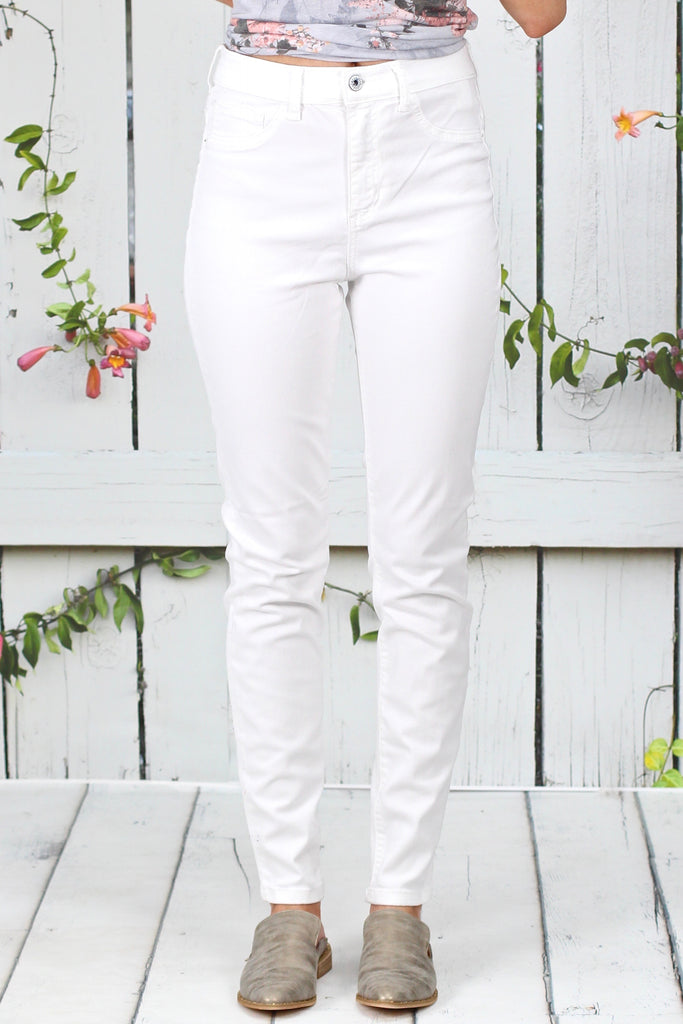 Hi-Rise Solid Skinny Jeans {Optic White}