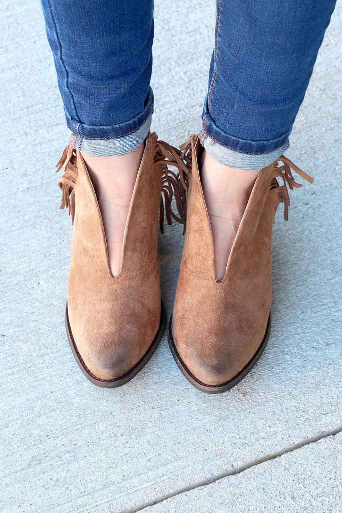 Matisse: Miranda Suede Fringe Booties {Saddle Brown} - The Fair Lady Boutique - 3