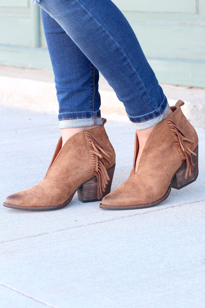 Matisse: Miranda Suede Fringe Booties {Saddle Brown} - The Fair Lady Boutique - 2