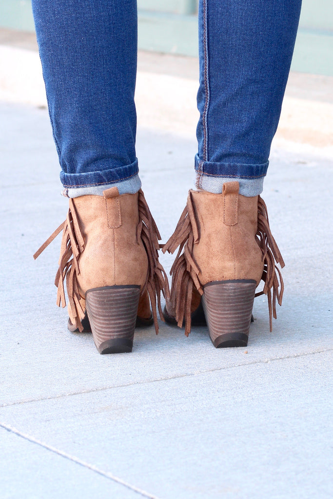 Matisse: Miranda Suede Fringe Booties {Saddle Brown} - The Fair Lady Boutique - 4