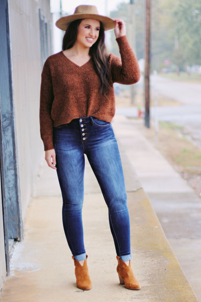 Moana Brushed Chenille V-neck Sweater {Hazelnut}