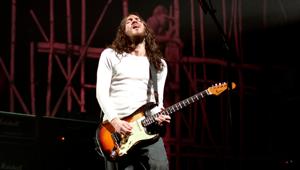 JOHN FRUSCIANTE RETURNS TO RED HOT CHILI PEPPERS!