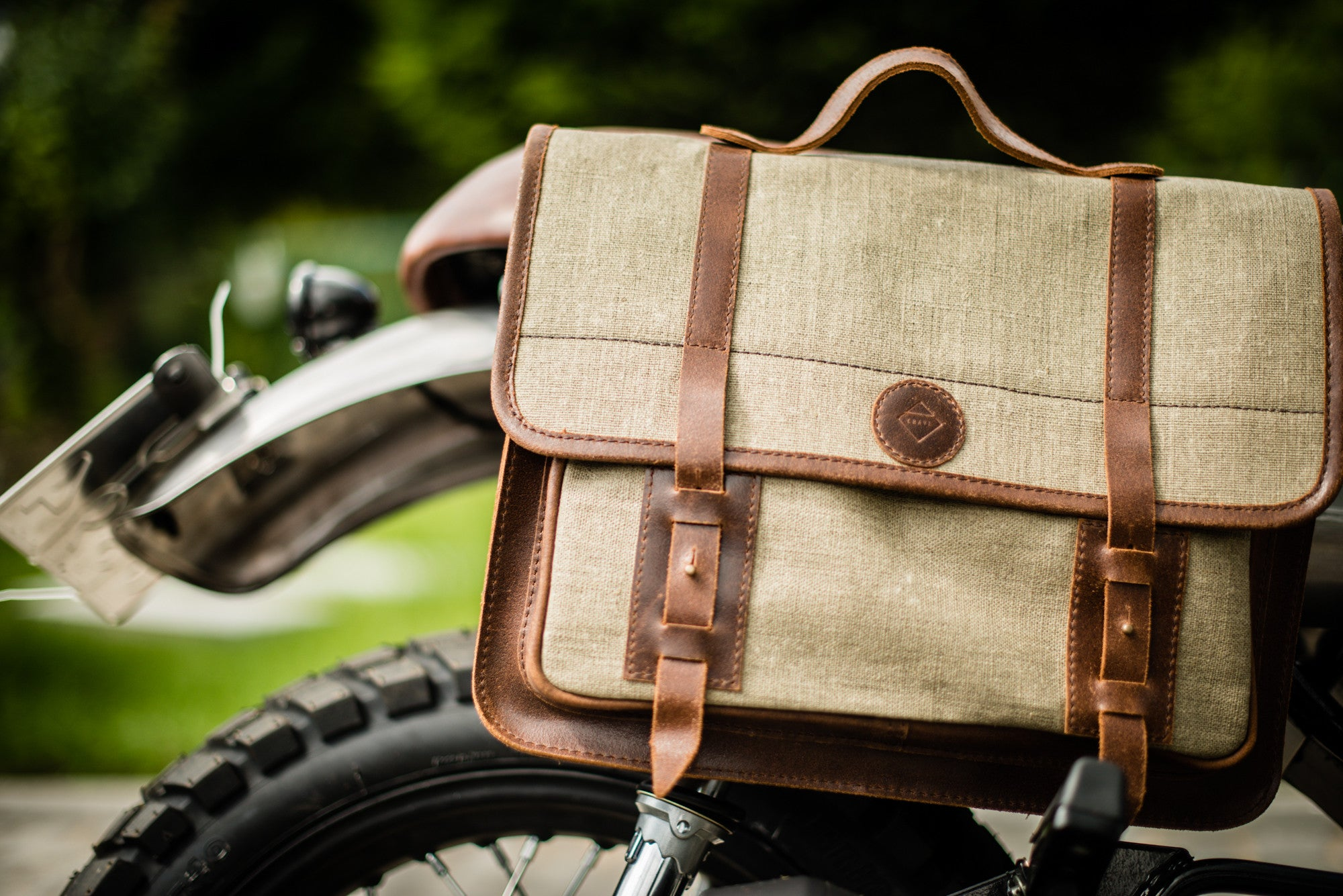 Leon Moto Bag - big motorcycle pannier bag / shoulder bag