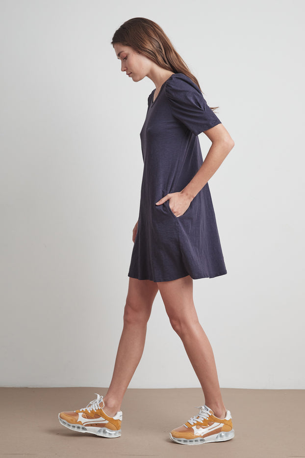Velvet-Navy Puff Sleeve Dress