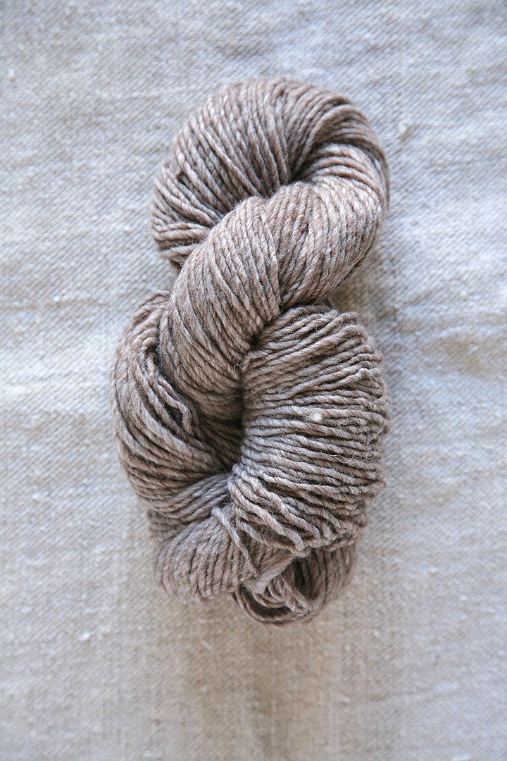 Medium Brownstone Wool Skein