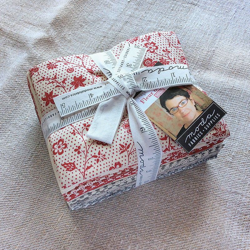Moda French General - Fleur De Noel Fat Quarter Bundle