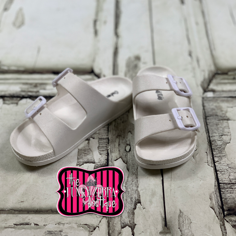 [SPRING] Lyle Buckle Sandal in White Size 11-4