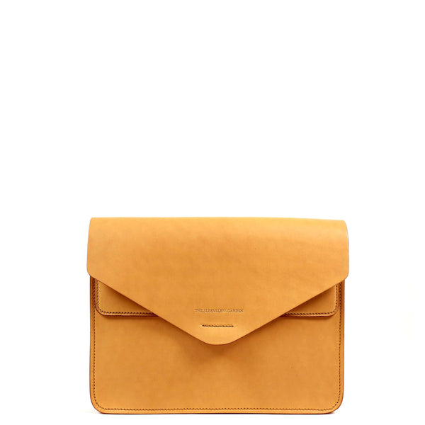 The Sleeveless Garden Futo 13 leather clutch