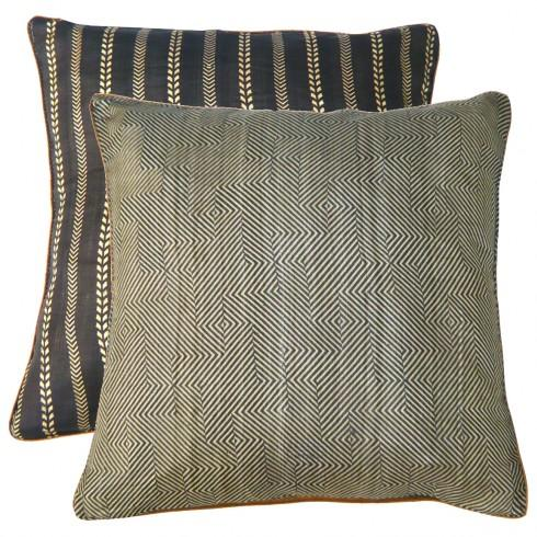 Le Monde Sauvage Silk Waseda Cushion