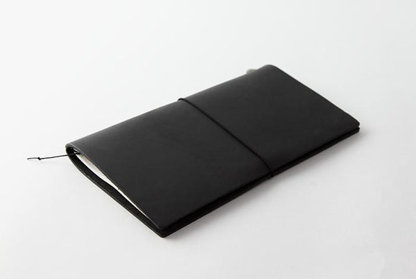 TRAVELER'S notebook Black Regular Size