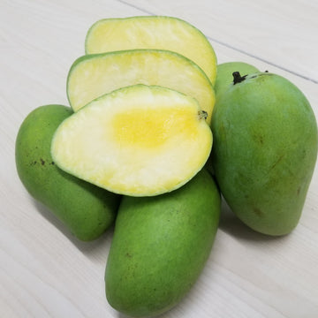 Green Mangoes (Per Kilo)