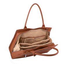 "Laden Sie das Bild in den Galerie-Viewer, SOCHA Laptoptasche Damen 15.6"" - ""Straight Line Cognac″"